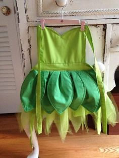 diy tinkerbell apron , see more at http://diyready.com/diy-tinkerbell-costume-ideas