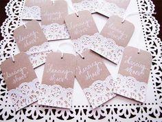 Adornos con blondas para bodas vintage