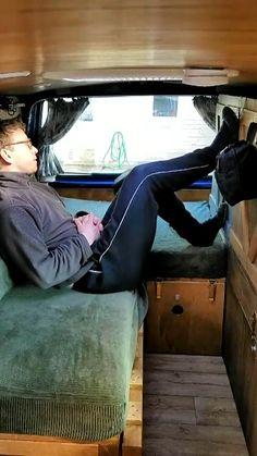 Camper bed with plenty of storage space - bed with plenty of storage space in yours install! Tips for yours # Camper rem - Bus Camper, Camper Beds, Mini Camper, Camper Diy, Camper Trailers, Minivan Camping, Minivan Camper Conversion, Conversion Van, Kangoo Camper