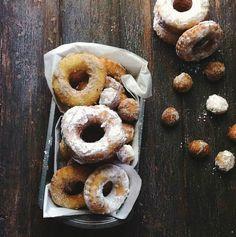une gamine dans la cuisine: Peach + Curry Buttermilk Doughnuts