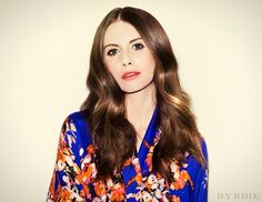 Exclusive: Mad Men's Alison Brie Gets a '70s Makeover via @byrdiebeauty
