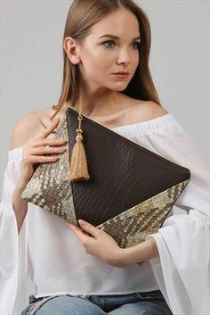 Kadın Kahverengi Hasır Desenli Diyagonal Parçalı Vegan Clutch C30090400Cf99361