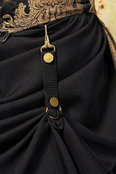 Skirt Hikes - smart idea for bustling any skirt
