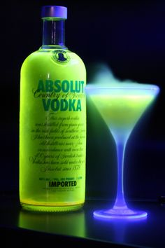 neon cocktail  Absinthe, Mixed Drinks, Green Colors, Go Green, Liquor, b9685b1d24