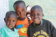 Shona-Art unterstützt eine weiterführende Schule in Gokwe, Zimbabwe und eine Grundschule in Tengenenge, wo viele Bildhauer herkommen. Unterstützt diese wichtigen Projekte. Hier könnt ihr den aktuellen Jahresbericht lesen.    #fundraising #bildung #schule    http://www.fundo-afrika.de/index.php?id=12