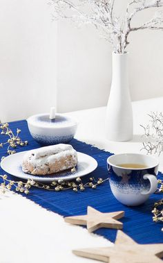 Maine Mug en porcelaine Maine, Blue Hour, Tea Time, Comme, Mugs, Food, Blue Patterns, White Porcelain, Plate