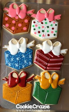 CookieCrazie: Simply Christmas Cookies: Christmas Presents (Tutorial)