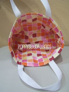 POPPYSEED FABRICS: Super easy tote bag tutorial..(updated)