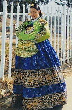 Korean Traditional Dress, Traditional Dresses, Grand Prince, Korean Drama, Korean Fashion, Sari, Culture, Kdrama, Womens Fashion