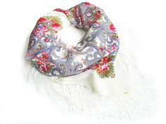 Schal À LA RUSSE / Shawl À LA RUSSE / Russisches Tuch / Russischer Schal / Russian scarf / foulard russe / Le châle russe / Schal à la Russe / shawl a la Russe/ scialle russo / Pañuelo, Chalina Rusa / Pañuelo, Chal Tradicional Ruso