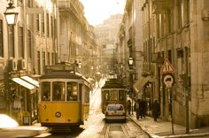 Must see! Lisbon Tram, Places To Travel, Places To Visit, Sea Activities, Portugal Travel, Cool Countries, Albania, Walking Tour, Amazing Destinations