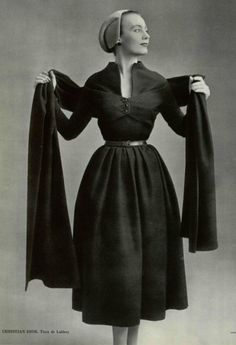 1951 - Christian Dior 'Ovale' line