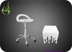 Bancos feito com acrílico.  Seats produced in acrylic.