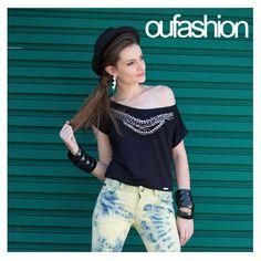 Tem que ter preto no look de sexta, melhor ainda se o destaque da compô for com um toque estiloso, blusinha repleta de bordados e brilho!    #oufashion #inverno2015 #black #fashion #teen