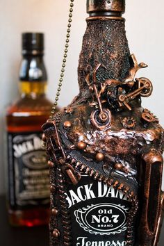 EXCLUSIVE Jack Daniels Whiskey Bottle lamp, Gift for him, Gift for Husband, Gifts for dad brother, B Whisky Jack Daniels, Jack Daniels Bottle, Christmas Gifts For Him, Valentines Day Gifts For Him, Christmas Night, Bottle Art, Bottle Crafts, Man Cave Lamps, Romantic Gifts For Him