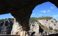 EL VENTANO DEL DIABLO en Cuenca: miradores con las vistas más espectaculares de España. Se encuentra situado en el kilómetro 23 de la carretera que une Cuenca capital con la Serranía de Cuenca, la que pasa por Villalba de la Sierra.