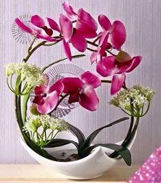 Gorgeous Orchid Arrangements Ideas To Enhanced Your Home Beauty 19 Ikebana Arrangements, Floral Arrangements, Flower Arrangement, Orchids Garden, Orchid Plants, Tropical Flowers, Arreglos Ikebana, Orchid Centerpieces, Artificial Orchids