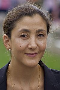 Ingrid Betancourt Pulecio. Colombian politician, former senator and anti-corruption activist. She was kidnapped by the Revolutionary Armed Forces of Colombia on 23 February 2002 and was rescued by Colombian security forces six and a half years later on 2 July 2008. In all, she was held captive for 2,321 days after being taken while campaigning for the Colombian presidency as a Green. She was nominated to the Nobel Peace Prize in 2008. Cousin through birthfather's maternal lineage.