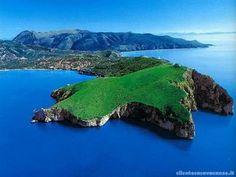 Palinuro - Cilento    https://maps.google.se/maps?q=Palinuro=sv=40.036027,15.292969=2.161737,4.839478=40.613952,14.554138=0.535836,1.209869=Palinuro,+Salerno,+Kampanien,+Italien=m=8