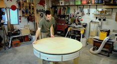 Heb je ook wel eens dat je een grotere tafel nodig hebt omdat je gasten krijgt en dan moeilijk doet om de tafel uit te klappen of een tafel moet lenen? Scott Rumschlag heeft daar met deze tafel een fantastische…