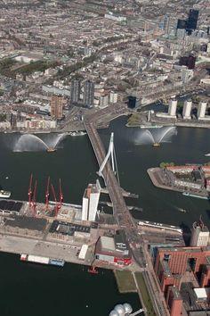 Luchtfoto Rotterdam met Erasmusbrug - e4bfec34fa84a35ca47e5630daad94b1.jpg 640×960 pixels