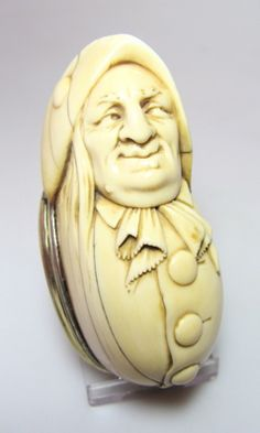 ♔ Bottles & Boxes ♔ perfume, snuff & decorative containers - carved ivory snuff box, Dutch, c1710.