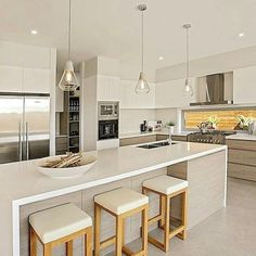 Cozinha Best Kitchen Design, Kitchen Room Design, Home Decor Kitchen, Interior Design Kitchen, New Kitchen, Home Kitchens, Colorful Kitchen Decor, Apartment Kitchen, Kitchen Accessories