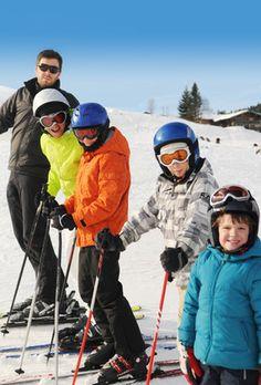 Vous n'aimez pas la neige, vous détestez le ski, vous avez peur de prendre le télésiège... Et pourtant, vous aimeriez tellement faire plaisir à vos enfants et leur proposer une journée de ski. Quelle solution ?