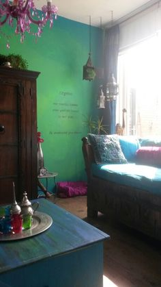 Ombre wall paint DIY colorique colours colors dip n dye painted made by Inge Bosscha! :D turquoise, smaragd, emerald green, magenta.