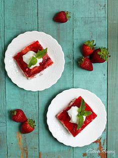 Strawberry Pretzel Salad by kitchenrunway #Salad #Pretzel #Strawberry #kitchenrunway