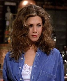 Jennifer aniston - rachel green haircut style f. Estilo Rachel Green, Rachel Green Outfits, Rachel Green Style, Rachel Green Friends, Rachel Green Hair, Rachel Green Fashion, Rachel Friends Hair, Rachel Green Costumes, 90s Haircuts