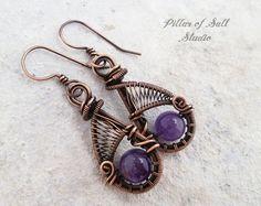 Alambre envueltos pendientes / púrpura amatista / alambre la joyería envuelta alambre hecha a mano / tejido joyería / joyería de cobre envejecido tierra