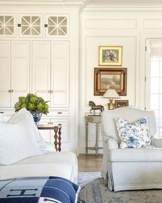 Blue accents in a gorgeous white keeping room near the kitchen by The Fox Group. #thefoxgroup #interiordesign #blueandwhite #keepingroom #livingrooms #traditionalstyle #classicdesign Classic Interior, Home Interior, Interior Decorating, Classic Home Decor, Interior Ideas, Home Living Room, Living Room Decor, Living Spaces, Interior Design Inspiration