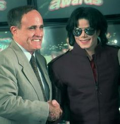 Michael Jackson and former NYC Mayor Rudy Giuliani - 1995 | Curiosities and Facts about Michael Jackson ღ by ⊰@carlamartinsmj⊱