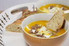 Pumpkin soup with apples and minced beef