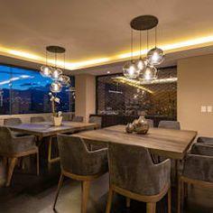 Salle à manger moderne par lee+mir moderne | homify Conference Room, Table, Furniture, Home Decor, Contemporary Architecture, Dining Room Modern, Design Ideas, Decoration Home, Room Decor