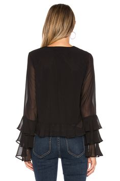 Tularosa Winnie Blouse in Black Cute Fashion, Look Fashion, Fashion Outfits, Womens Fashion, Fashion Design, Black Tie Gown, Black Blouse, Ropa Upcycling, Top Chic