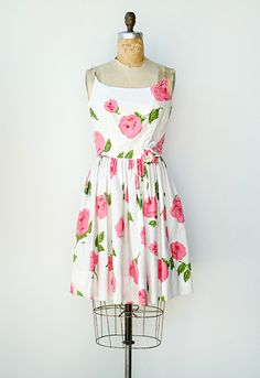Vintage 1950s pink roses party sundress