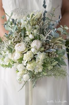 The Morning of Your Wedding, Gretchen Maurer, Boho, Bohemian, wedding bouquet, loose, organic, earthy, rustic, wedding bouquet, varied texture, A wedding outside, field, barn, flowers, woodsy, rustic, airy blooms, Boho Wedding Bouquets, hippy, boho Romantic, fun, relaxed, over sized, flowing