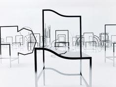 50 sillas manga en la galería Friedman Benda de Nueva York, diseñadas por los japoneses Nendo.