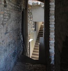 carlo scarpa, architect: the cangrande space, castelvecchio museum, verona 1956-1973