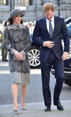 Another week, another fabulous Kate Middleton outing. The Duchess of Cambridge made a regal appearance in London on Monday as she attended Commonwealth Moda Kate Middleton, Looks Kate Middleton, Princesse Kate Middleton, Kate Middleton Outfits, The Duchess, Duchess Of Cambridge, Kate And Harry, Estilo Real, Princesa Diana