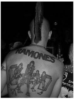 Punk with Ramones tattoo Tattoo Foto, Tattoo Ink, Band Tattoo, Rock Tattoo, Anarcho Punk, Mode Punk, Punk Boy, Punks Not Dead, Iggy Pop