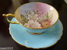 VINTAGE PARAGON TEA CUP AND SAUCER APPOINTED BY APPOINTMENT TO HER MAJESTY QUEEN