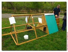 movable chicken coups | Portable Chicken Coop On Wheels images