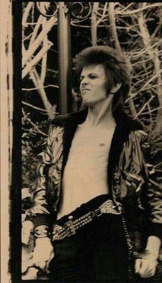 1972 - David Bowie (photo by Mick Rock). Glam Rock, Rock N Roll, Ziggy Played Guitar, Mick Ronson, David Bowie Ziggy, Bowie Starman, The Thin White Duke, Major Tom, Punk