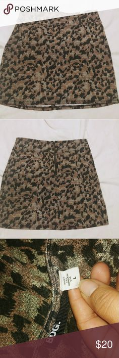 """BDG for Urban Outfitters Size Large A-Line Skirt M BDG for Urban Outfitters Size Large A-Line Skirt Mini Animal Print  Exposed Back Zipper   Length:17"""" inch  Waist: 16""""-17"""" inch   T16-111017 BDG Skirts Mini"""