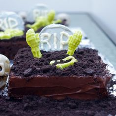 Within the Kitchen: Graveyard Halloween Brownies