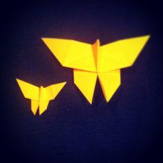 Mariposas origami.  https://www.etsy.com/es/shop/redesigning