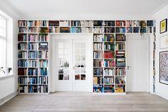 Home Library Rooms, Home Library Design, Home Libraries, Bookshelf Design, Bookshelves Built In, Küchen Design, House Design, Interior Design, Design Desk